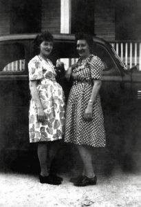 Femme enceinte années 40-50